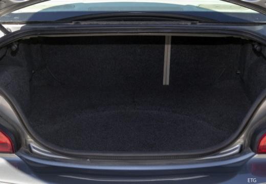 JAGUAR X-Type I sedan przestrzeń załadunkowa