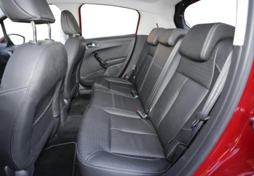 PEUGEOT 208 II hatchback wnętrze