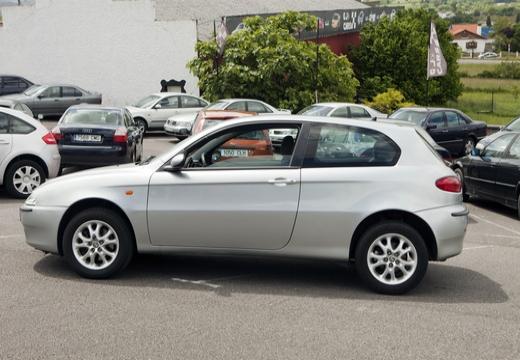 ALFA ROMEO 147 I hatchback boczny lewy