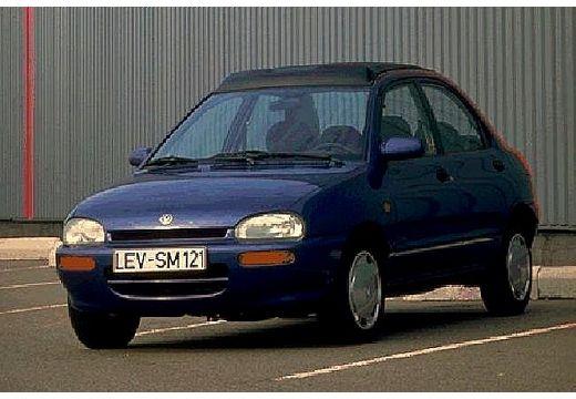 MAZDA 121 sedan niebieski jasny przedni lewy