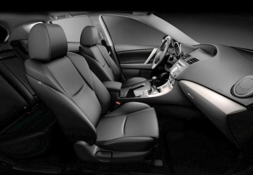 MAZDA 3 III hatchback wnętrze