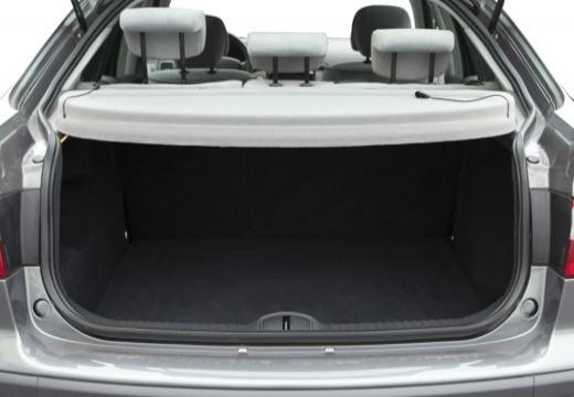 RENAULT Laguna II I hatchback przestrzeń załadunkowa