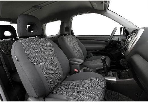 Toyota RAV4 III kombi wnętrze