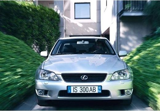 LEXUS IS I sedan silver grey przedni