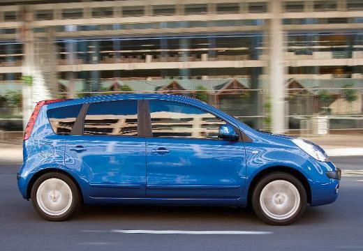 NISSAN Note I hatchback niebieski jasny boczny prawy