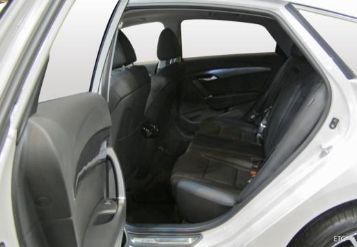 HYUNDAI i40 II sedan wnętrze