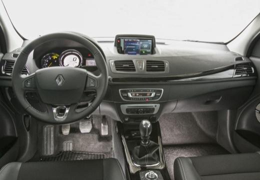 RENAULT Megane III Coupe III hatchback czerwony jasny tablica rozdzielcza
