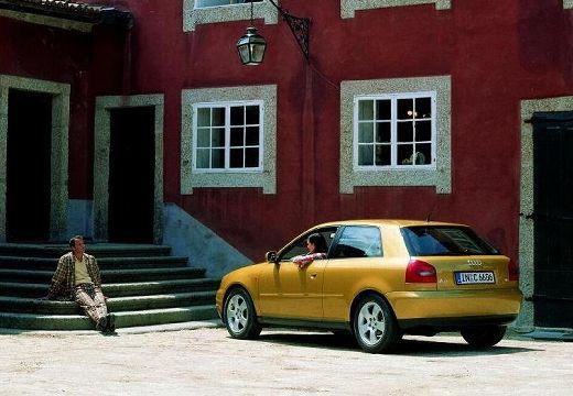 AUDI A3 /S3 8L I hatchback złoty tylny lewy