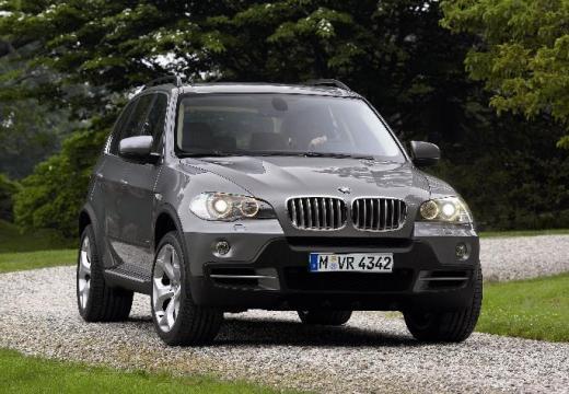 BMW X5 kombi silver grey przedni prawy
