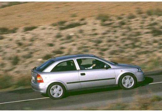 OPEL Astra II hatchback silver grey boczny prawy