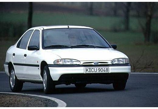 FORD Mondeo I sedan biały przedni prawy