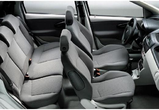 FIAT Punto II II hatchback wnętrze