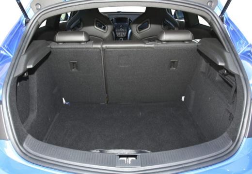 OPEL Astra IV GTC II hatchback przestrzeń załadunkowa