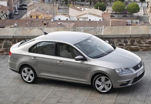 SEAT Toledo hatchback silver grey przedni prawy