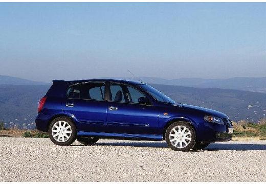 NISSAN Almera II II hatchback niebieski jasny przedni prawy