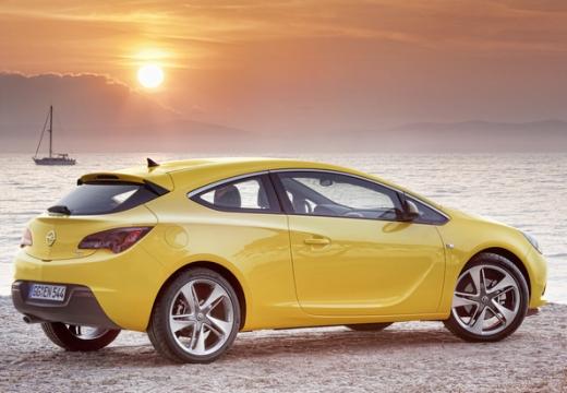 OPEL Astra IV GTC I hatchback żółty tylny prawy