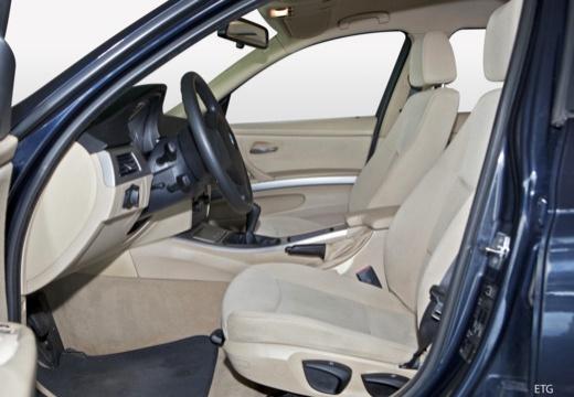 BMW Seria 3 sedan wnętrze