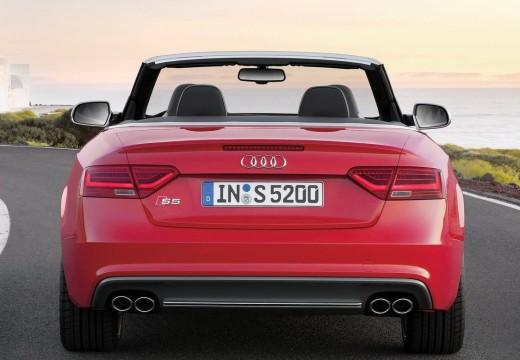 AUDI A5 kabriolet czerwony jasny tylny