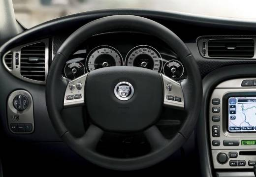 JAGUAR X-Type sedan silver grey tablica rozdzielcza