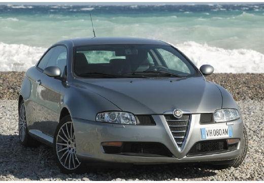 ALFA ROMEO GT coupe silver grey przedni prawy