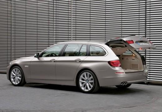 BMW Seria 5 kombi silver grey tylny lewy