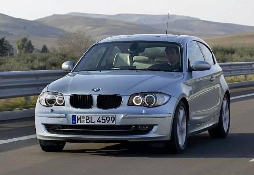 BMW Seria 1 E81 hatchback silver grey przedni lewy