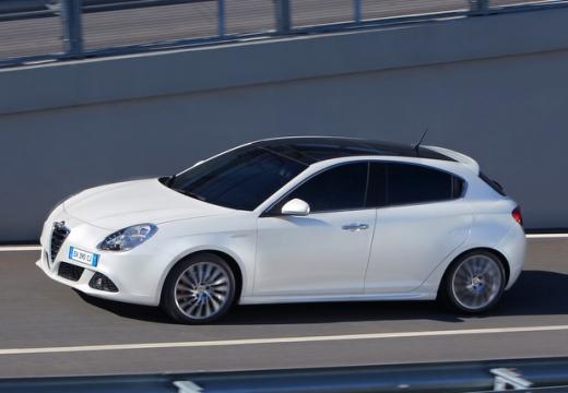 ALFA ROMEO Giulietta II hatchback biały przedni lewy