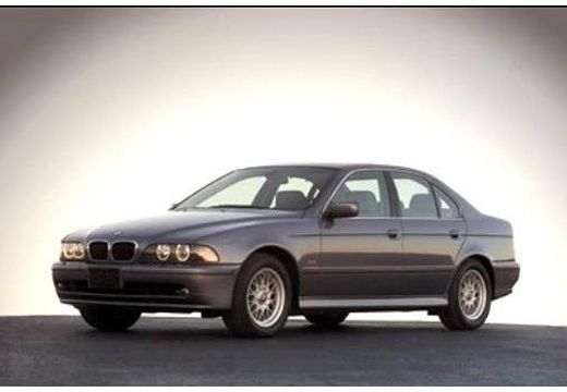 BMW Seria 5 E39 sedan czarny przedni lewy