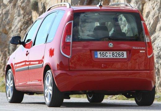 SKODA Roomster II kombi czerwony jasny tylny lewy