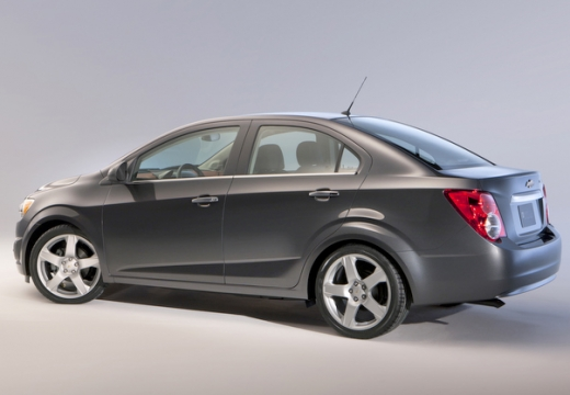 CHEVROLET Aveo III sedan szary ciemny tylny lewy