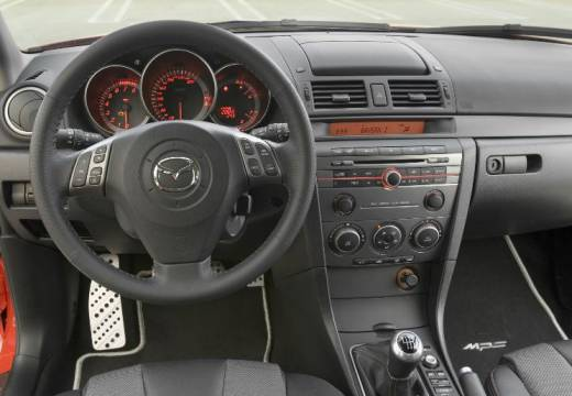 MAZDA 3 II hatchback czerwony jasny tablica rozdzielcza