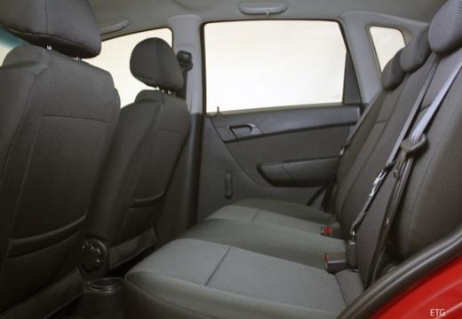CHEVROLET Aveo II hatchback wnętrze