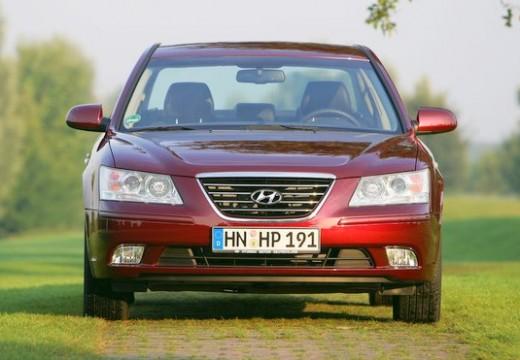 HYUNDAI Sonata VII sedan czerwony jasny przedni