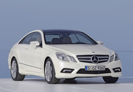 MERCEDES-BENZ E 350 CGI BlueEff. Coupe C 207 I 3.5 292KM (benzyna)