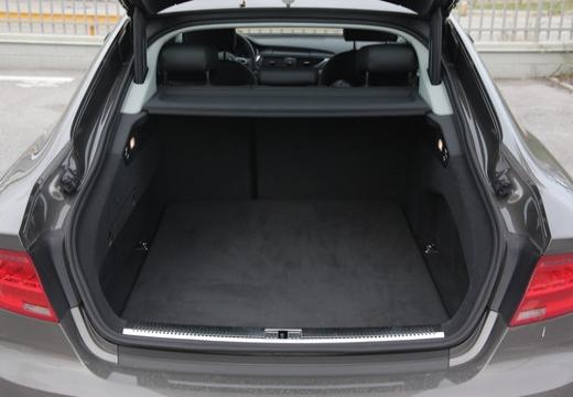 AUDI A7 hatchback przestrzeń załadunkowa