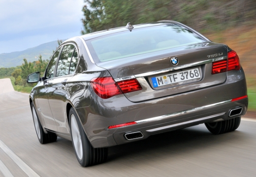 BMW Seria 7 F01 F02 II sedan brązowy tylny lewy