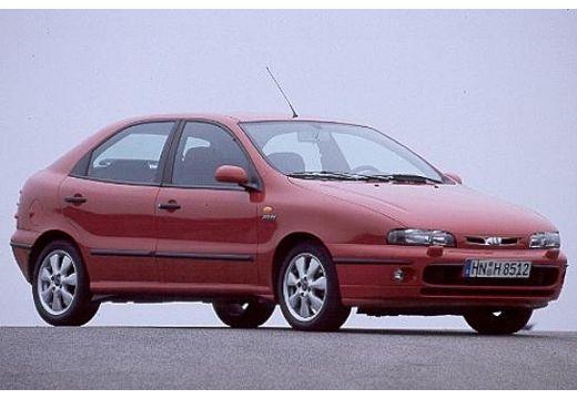 FIAT Brava hatchback czerwony jasny przedni prawy