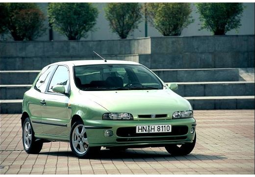 FIAT Bravo hatchback zielony jasny przedni prawy