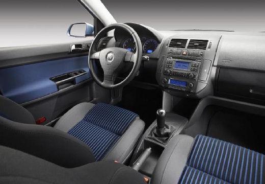 VOLKSWAGEN Polo IV II hatchback niebieski jasny tablica rozdzielcza
