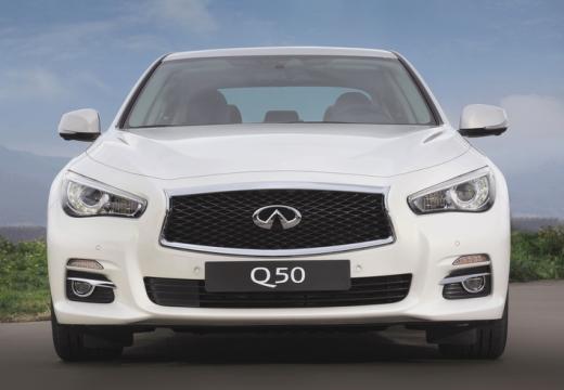 INFINITI Q50 sedan biały przedni