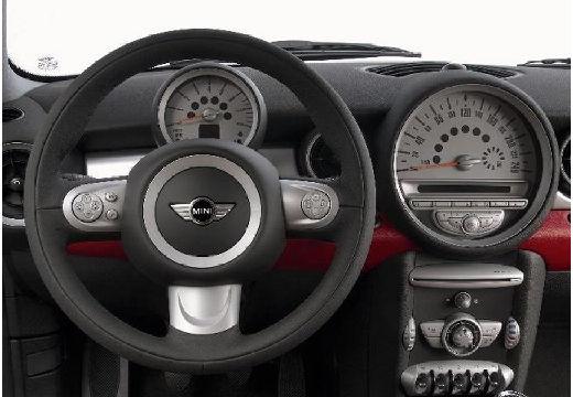 MINI [BMW] Mini MINI One III hatchback czerwony jasny tablica rozdzielcza