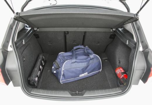 BMW Seria 1 F20 II hatchback przestrzeń załadunkowa