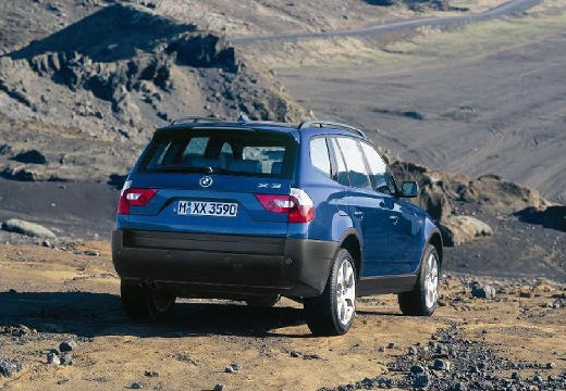 BMW X3 X 3 E83 I kombi niebieski jasny tylny prawy