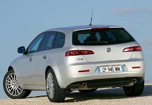 ALFA ROMEO 159 Sportwagon kombi silver grey tylny lewy