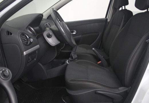 RENAULT Clio III II hatchback biały wnętrze