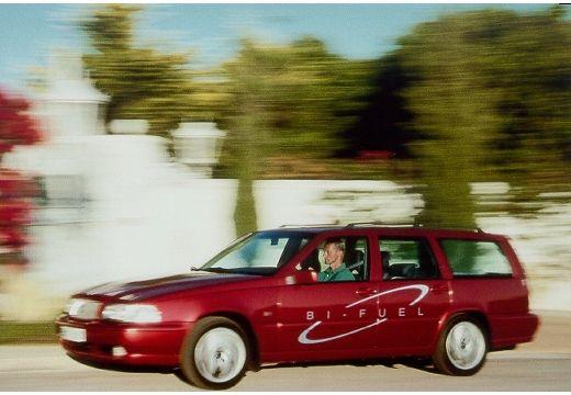 VOLVO V70 Classic kombi bordeaux (czerwony ciemny) przedni lewy