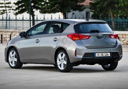 Toyota Auris I hatchback silver grey tylny lewy