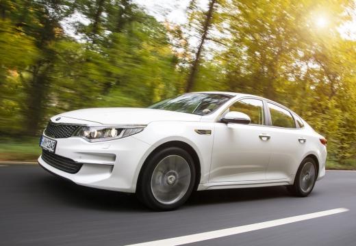 KIA Optima VI sedan biały przedni lewy