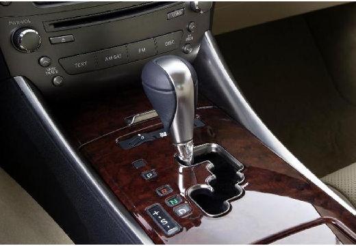 LEXUS IS sedan szczegółowe opcje