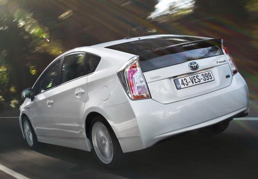 Toyota Prius hatchback biały tylny lewy